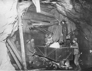 Emile07_Treadwell_Gold_Mine_1916